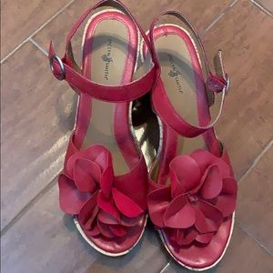 Jaclyn Smith Red high heeled wedges comfort & cute